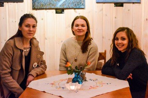 Katarina Barukk, Marja Mortensson og Fransisca Kappfjell Herbst brenner for samisk kultur og historie. Nå vil de øke folks bevissthet ved hjelp av musikk.