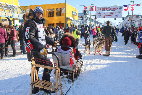 Joar Leifseth Ulsom, Iditarod 2017. Fra sermoniell start i Anchorage på 4th Avenue.