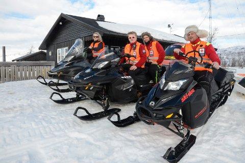 rana Røde Kors Hjelpekorps F.v. Marie Voldsund, Jonas Einhaug, Even Einhaug og Cato Loftfjell Røde Kors-hytta i Umbukta.