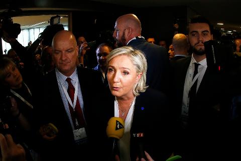 Marine Le Pen er kandidat til presidentvalget i Frankrike til våren, og hun var med på høyrepopulistenes demonstrasjoner i Koblenz i Tyskland forrige helg.