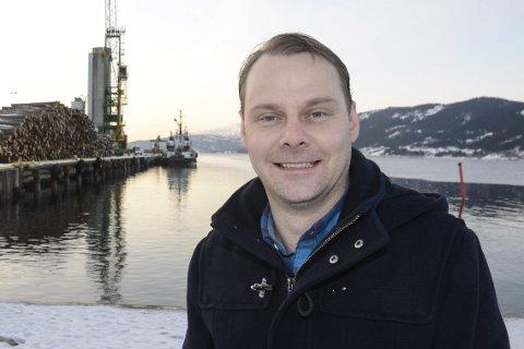 HAR HASTVERK: Havnefogd Svein Tore Nordhagen vil ha en rask utbedring av innseilingen til Rana og penger til dypvannskaia.