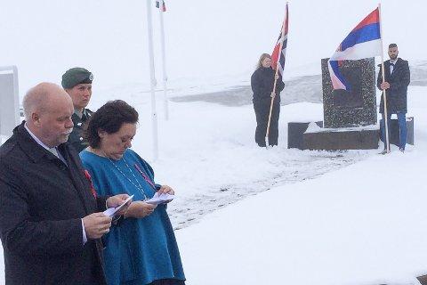 På nasjonaldagen skal  ordfører Jann Arild Løvdal fra Vefsn og Chrisine Trones fra Hemnes i fellesskap legge ned krans ved minnesmerke for blodveien på Korgfjellet.
