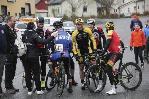 Bjørn Einar Nesengmo (helt til venstre av rytterne) gjorde sine saker godt i Vefsntråkket.