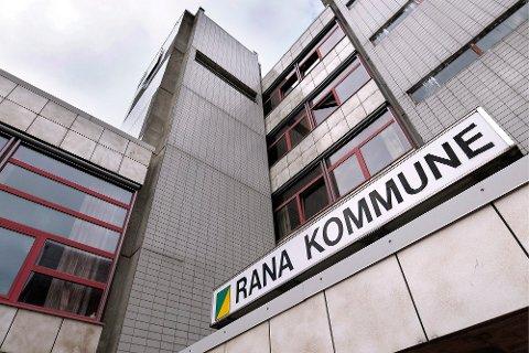 Rana kommune er på jakt etter både skolesjef og kommunikasjonssjef.