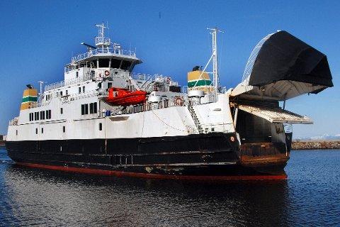 MF Lurøy er satt ut av drift grunnet tekniske utfordringer.