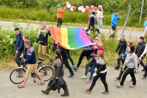 Under Trænafestivalen har det vært Pride i noen år. Nå kommer det til Mo i Rana for første gang. Det liker lederne i Nordland og Rana Arbeiderparti.