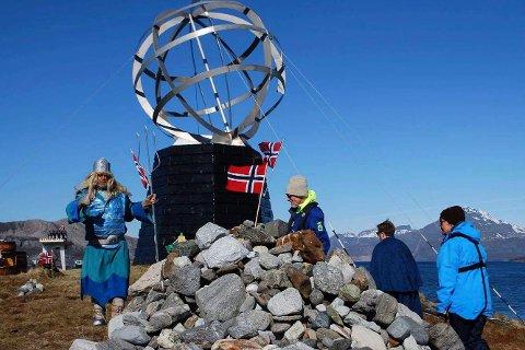 I sommer er det mulig å møte Kong Neptun på polarsirkeløya Vikingen utenfor Tonnes.