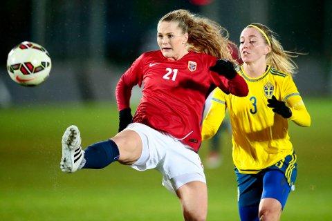 Lisa-Marie Karlseng Utland er klar for landskamp mot USA etter å ha vært ute en stund med skade.