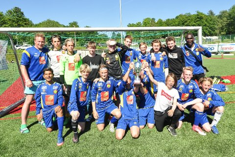 Et sammensatt lag med spillere fra Selfors og Stålkameratene vant B-finalen i Skandia Cup.