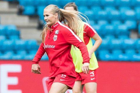 Lisa-Marie Karlseng Utland starter trolig på benken mot Belgia i kveld. Foto: Terje Pedersen / NTB scanpix