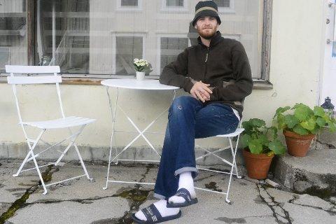 Klar: Albert Rønning Fjeldavli (23) er klar til å vise fram bildene sine.Foto: Bjørn Albert Fjeldavli