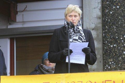 ENGASJERER: Ambulanse-saken har engasjert befolkningen i Nesna. Ordfører Hanne Davidsen sier de føler en avmakt i forhold til sykehuset. – Men vi gir ikke opp, forsikrer hun. Foto: Privat
