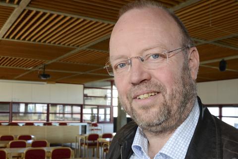 – Det er bra Elkem redusere utslipp av svevestøv og investerer i industriutvikling, sier ordfører Geir Waage.