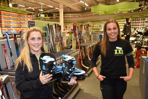 Cecilie Bang og Erika Ellingsen Brede på XXL selger mange skøyter for tiden.