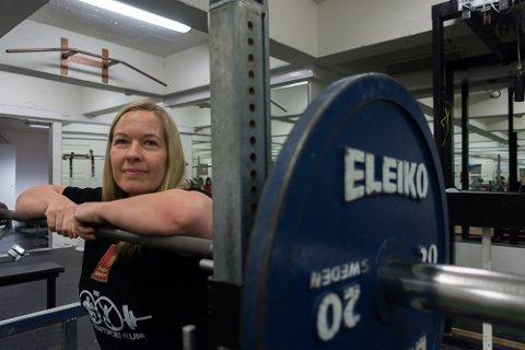 Birgitte Lorentzen startet med styrkeløft 42 år gammel og ble umiddelbart hektet av jaget etter personlige rekorder og konkurransen mot seg selv.