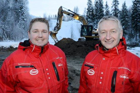 – Vårt mål er at vi skal kunne åpne dørene til vår nye Esso Deli De Luca-stasjon på Gruben i august i år. Vi har allerede satt i gang arbeidene med å grovplanere tomta vår. Dette blir den råeste og mest moderne bensinstasjonen i Rana, sier eierne Tore Lundbakk og Rolf Olafsen.