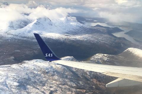 Bildet viser innflyvning til Bodø fra Saltenfjorden.
