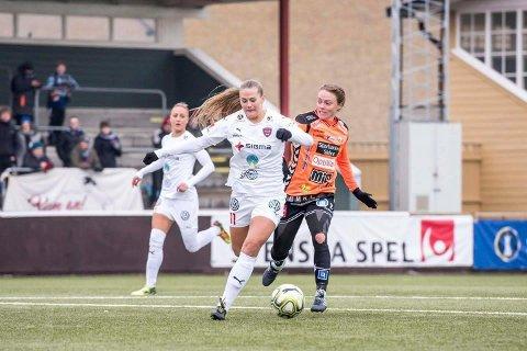 Lisa-Marie Karlseng Utland scoret i serieavslutningen, men det holdt ikke til seier.