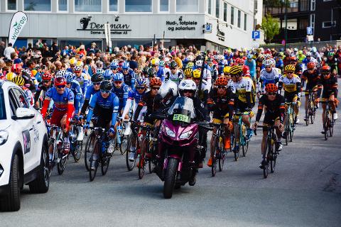 I 2016 var det tre etapper i Rana kommune, og Hemnes og Nesna var også blant helgelandskommunene som tok del i rittet. Her fra starten på etappen som gikk fra Mo i Rana til Sandnessjøen.