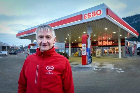 Rolf Olafsen er daglig leder i Helgeland Retail Eiendom AS, som eier lokalene til Esso Deli de Luca i Langneset. Nå går det mot rettssak med Circle K. Norge AS. Pengekrangelen omhandler 2,9 millioner kroner.