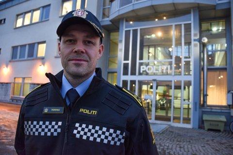 HJELPER UNGDOM: Thomas Thorshaug er leder for Nordland politidistrikts ungdomsteam og jobber for å hjelpe ungdom som har vært i kontakt med kriminalitet. Foto: Kai Jæger Kristoffersen