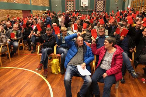 Flertallet av styret i Hemnes Ap mener nominasjonsmøtet i partiet gikk rett for seg og aksepterer valget av Mette Varem som partiets ordførerkandidat.