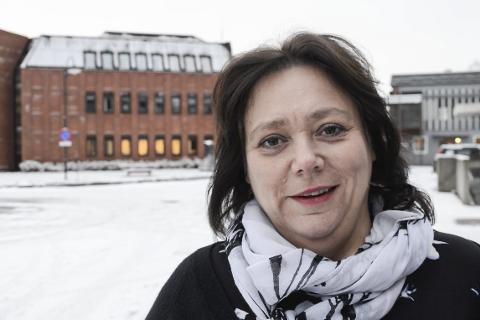 - For at Hemnes skal overleve som en kommune i framtida må vi ta vonde og strukturelle kutt. Det vil merkes, sier ordfører Christine Trones i Hemnes.