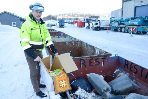 Avdelingsleder Trond Jøran Pedersen i Østbø AS avdeling Helgeland tar nå til orde for at Østbø og HAF etablerer et samarbeid rundt en sentrumsnær mottaksstasjon for alt av avfall nært sentrum, ved Østbøs anlegg på Stigerplatået.