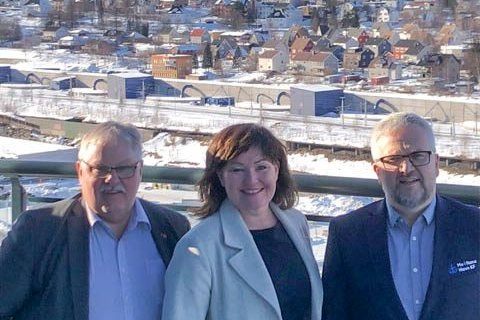 I NARVIK: Konstituert adm.dir. i Rana Utviklingsselskap, Anita Sollie og styreleder Tor Arne Strøm (t.v.) og økonomisjef Øystein Lorentzen i Mo i Rana Havn.