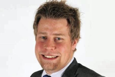 Elnar Remi Holmen blir nå politisk rådgiver i NHO Nordland.