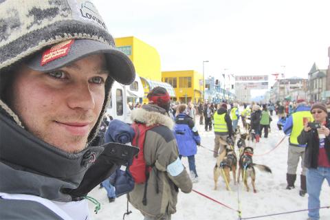 KLAR: Joar Leifseth Ulsom er klar for sitt sjette Iditarod som starter lørdag 3. mars. Han rapporterer at hundene er i veldig god form og at han satser offensivt fra start. Foto: Mille Porsild