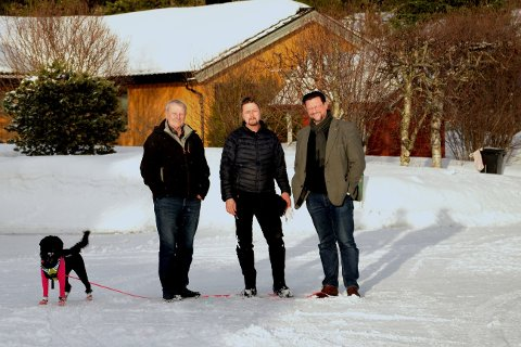 Lars Midtstraum, Lars Y. Frøysa og Nils Notler i Mo arbeidersamfunn vil ha et sentrumsnært hageavfallsmottak. Foto: Are Bjørgen