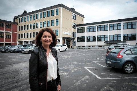 Kommunaldirektør for oppvekst og kultur Lillian Nærem håper folk finner veien til den åpne møtet om Rana ungdomsskole.