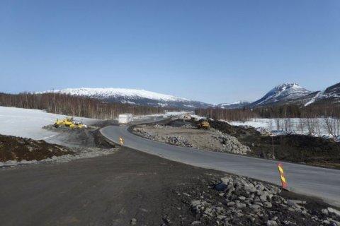 E6 vil være helt stengt for trafikk mellom Gofahaugen og Strauman fra 2. mai til 23. juni. Strekningen er en del av parsell 6 i prosjektet E6 Helgeland sør. Foto: Kent Gøran Johansen