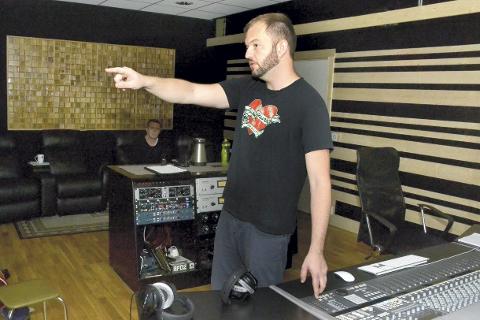 Christian Lorentsen arrangere en rekke workshops og kurs for musikere og interessenter i forbindelse med iFjord-festivalen.