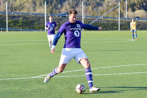 Kristian Gjølstad er den som har flest kamper for FK Silkefot. Laget sliter borte, men er gode hjemme.