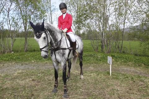Jannicke Nystad og hesten Effortless JS vant to stevner på lørdag.
