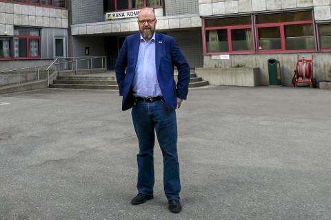 Flest: Sittende ordfører Geir Waage (Ap) får flest stemmer i den ferske ordførermålinga gjennomført av Rana Blad, men det er ingen trygg ledelse. Foto: Øyvind Bratt