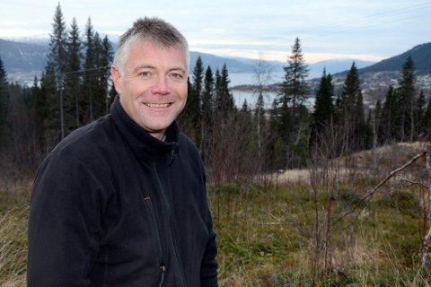 Stein Rune Øijord i Øijord & Aanes, troner formuelista i Rana. Bildet er tatt i forbindelse med et nytt boligfelt på Ytteren.