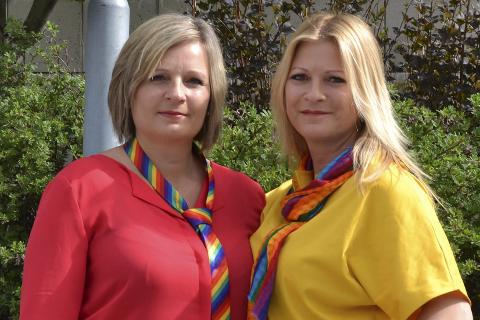 Pride 2018: Linda Eide (t.v.) og Mona Simonsen ser frem til årets Pride og oppfordrer alle til å delta, uavhengig av legning. Foto: Mathilde Ånes