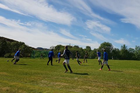Fra kampen mellom Lurøy FK og Sandnessjøen 2 på Lurøya som endte 3-3.