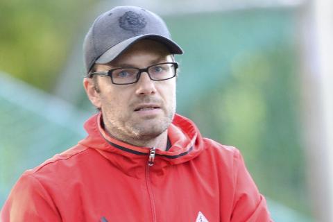 Åga IL-trener Kjetil Knudsen kunne glede seg over at laget kom mye nærmere enn i de fire første kampene.