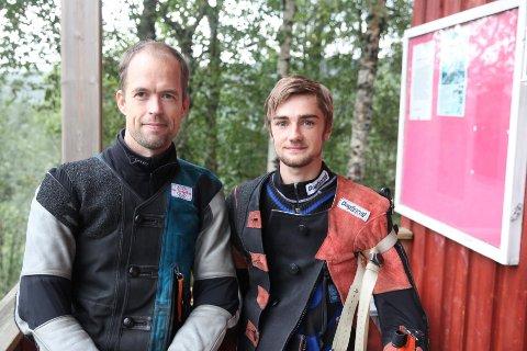 Simon Røstad (t.h.) vant samlagsmesterskapet i senior foran Tommy Opdalshei.
