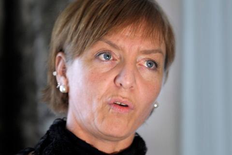 Gro Sæten er forespurt av Helsedirektoratet om å bidra til ny folkehelselov som skal utarbeides i Estland.