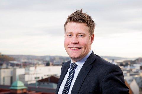 Elnar Remi Holmen er klar i sin tale - Nordland må trekke til seg flere mennesker med rett kompetanse.