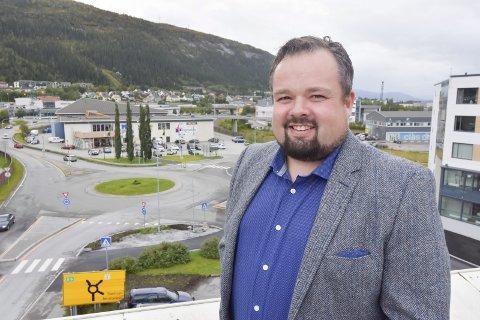 Klar for Mo: Han ble født i Hammerfest, hadde deler av oppveksten i Sørreisa og er bodøværing. Fra november venter Mo i Rana for Ole M. Kolstad. Foto: Viktor Leeds Høgseth