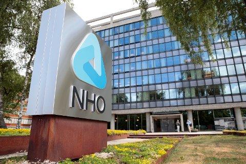 NHOs definisjon av samfunnsansvar er «hvordan virksomheten påvirker mennesker, miljø og samfunn. Ansvarlige bedrifter tar hensyn til dette.», skriver Kathrine Næss.