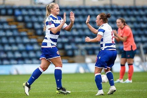 Lisa-Marie Karlseng Utland jubler for sitt første mål for Reading FC mot Everton.