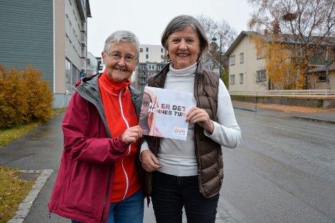 Judith Johansen (f.v) i Åga sanitetsforening og Torill Døhl i Soroptimistene, håper flest mulig gir penger til årets TV-aksjon, som skal bedre livet for kvinner i noen av verdens mest sårbare områder.