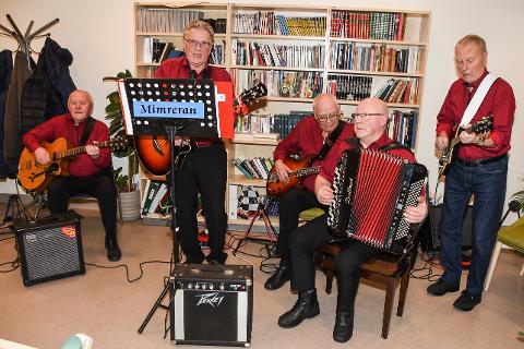 I over 25 år har Mimreran spredt musikalsk glede til eldre i Rana. I fjor ble de hedret for sin innsats. - Den beste betalinga vi får er å se gleden til dem vi spiller for, sa Per Ernst Vestvik (82), Ernst Jensen (81), Kåre Jørgensen (83), Asbjørn Toftli (69), Leif Johansen (81). Sigurd Åsland (85) var ikke til stedet da bilde ble tatt.